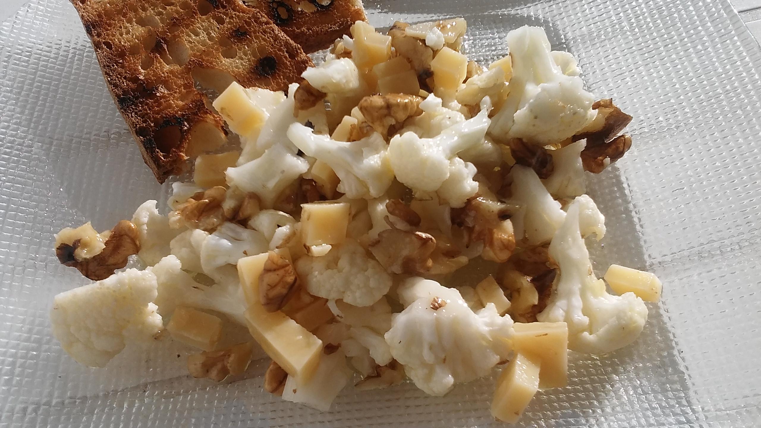 insalata di cavolo parmigiano e noci